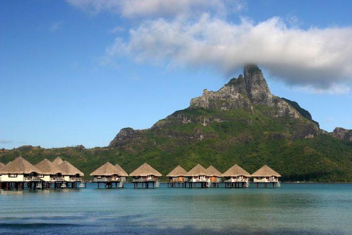 bungalow sur pilotis à Bora Bora