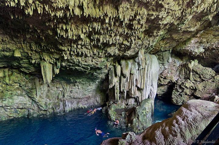 cueva saturna cuba
