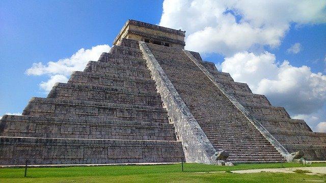 pyramide maya chichen itza